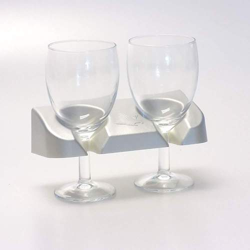 Arcoroc Wine Glass and Kea Glass Holder Combo